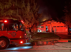 Fire engine at house fire in Mountlake Terrace
